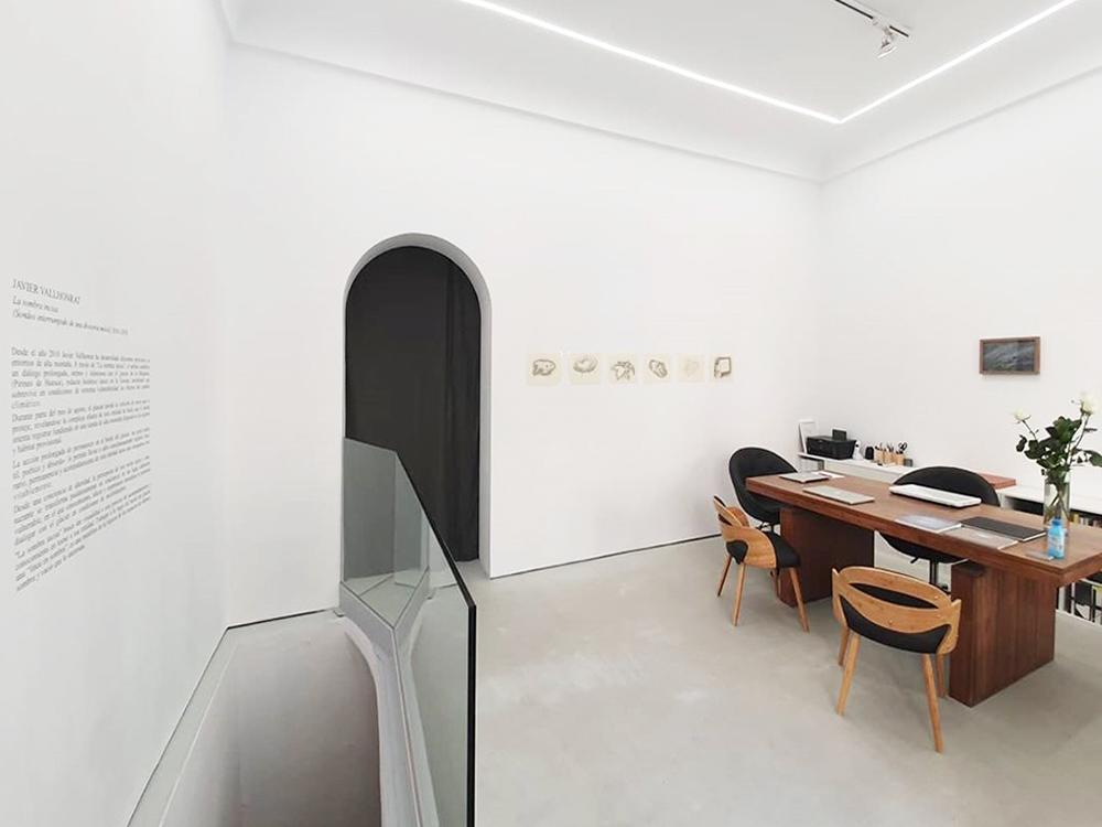 Exposición Javier Vallhonrat_La sombra incisa_Vista sala 1_Aural_Madrid